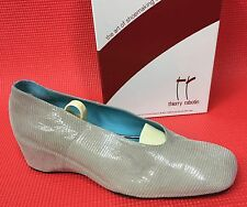 Thierry Rabotin Tasha Light Taupe Sahara Suede Pumps Shoes sz EU 40 1/2 NIB $395