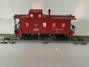 SCARCE LIONEL TRAIN -SP 2357 RED CABOOSE W/RED STACK- ILLUMINATED O-GAUGE 3-RAIL