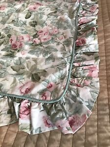 2 Laura Ashley King Size Ruffled Pillow Shams Cottage Rose Pink Vintage USA