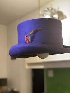 Top Hat Lamp 100% wool with feathers