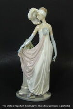 Vintage Lladro Figurine 5283 Socialite Of The 20's (Charleston Lady)