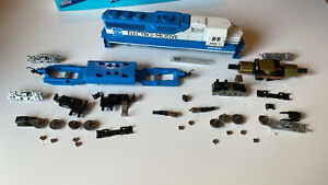 Athearn BlueBox GP60 kit Missing Some Gears And Handrails Parts Spectacular!