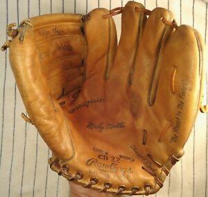 Nice rare 1960's Mickey Mantle Rawlings USA CD-22 baseball glove early signature