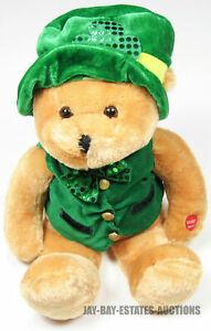 """RARE VINTAGE PBC INTL. CHANTILLY LANE MUSICALS IRISH SHAMROCK BEAR SINGING 18"""""""