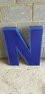 "LARGE EXTERNAL /INTERNAL VINTAGE LIGHT UP BLUE METAL LETTER N SIGN 27"" TALL"
