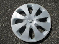 One factory 2012 to 2014 Toyota Prius 15 inch hubcap wheel cover 42602-52540