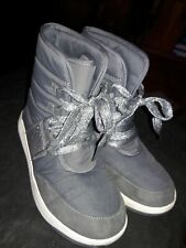 Ln Justice Ankle Sneakers Winter Boots Girl Sz 6 gray with glitter sides/laces☆