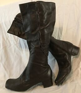 Clarks Dark Brown Knee High Leather Lovely Boots Size 5.5D (894Q)