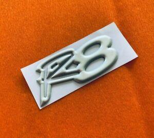 VT HSV Clubsport Series 2 R8 Badges Satin Silver Matte Silver Badge