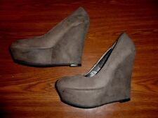 Mossimo WEDGE SHOES WOMEN'S SIZE 6 1/2  (5 INCH HEEL)