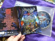 Judas Priest - Rising in the east. DVD avec 5 autographes Rob Halford, G Tipton