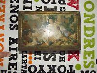 Ancienne Boîte rempli de perles plastique scène antique anges amour charme sucre
