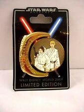 Disney Star Wars Weekends exclusive Luke/Leia spinner pin 2009