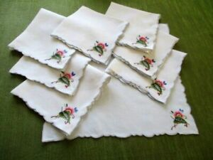 Vintage napkins-Set of 8-Hand embroidered decoration-Linen-Pale cream
