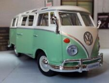 Modellini statici di auto, furgoni e camion verde Maisto scatola chiusa