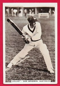 1935  J. A. Pattreiouex Tobacco Cricket Card: DON BRADMAN  #2