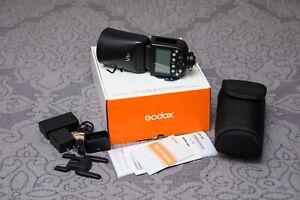 Godox V1-C Wireless Flash for Canon DSLR