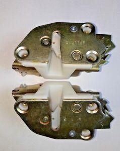 Door Locks / Latch Mechanisms (RH & LH) - Suzuki Samurai 86-90