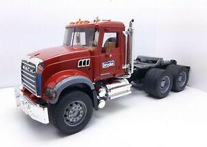 Bruder Mack Granite Semi Tractor Truck Cab 2007 1:16 Scale! Nice!