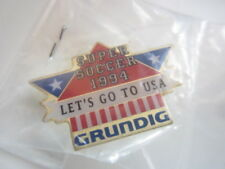 Pin Grundig Super Soccer 1994 Let's go to USA Neu unbenutzt OVP