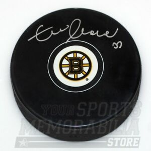 Zdeno Chara Boston Bruins Signed Autographed Bruins logo Hockey Puck