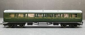 Tri-ang Hornby OO R.431 Southern Railway Maunsell Corridor Composite Express Coa