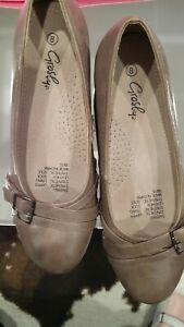 GROSBY SIZE 8 LADIES WEDGE SHOES AS NEW