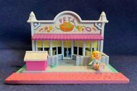 Vintage 1983 Polly Pocket Pet Shop Pollyville Bluebird Compact & 1 Polly Doll