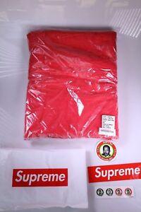 Supreme SS18 Debossed Logo Beach Towel Red New, Sealed