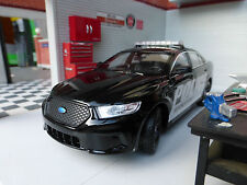 LGB G 1:24 Scale Black Ford Taurus Police Interceptor Detailed Model by Welly