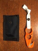 Small Z Hook Knife - Paramotor and Paraglider Cutting Tool for Water Safety!
