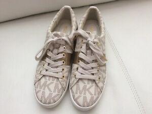 NEW Michael Michael Kors Women  Trainer Sneaker Size 9,5 M