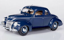 Maisto 1/18 Scale 1939 Ford Deluxe Coupe Blue Diecast Car Model 31180