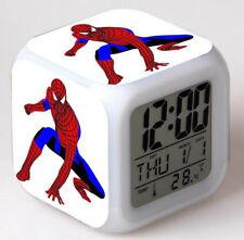 Reloj Despertador Super Heroe Spiderman Cambio De Color LED Luz De Noche Digital Juguete ver B