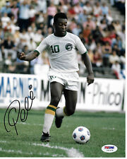 Pele Autographed 8x10 Soccer Cosmos Photo White Jersey - PSA/DNA COA