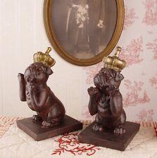 Zwei Buchstützen Mops Figuren Hundefigur Buchständer Mopsfigur Krone