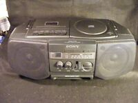 Sony CFD-V10 AM/FM/CD/Cassette Play/Record Boombox w/AC Cord Tested Works Great!