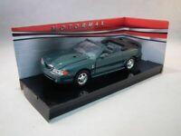 Ford Mustang Cobra Convertible 1998 Green, Classic Metal Model Car, Motormax 1/2