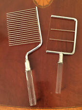 Vintage Set 2 Piece LUCITE & CHROME Wire & Comb Cheese Slicer & Cake Cutter EUC