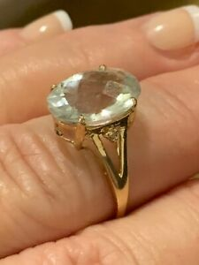 Green amethyst ring in 9 ct carat gold