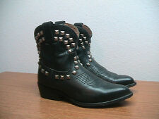Womens 8 B FRYE Black Leather Silver Pyramid Stud Western Motorcycle Boots, RARE