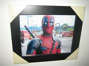 Ryan Reynolds ; Excellent Signed Photograph (10x8) Framed + CoA