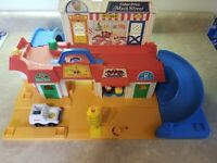 Vintage Fisher Price Little People #2500 Mainstreet Playset Not Complete