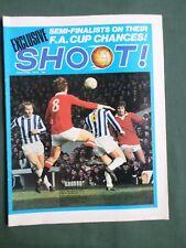 SHOOT  FOOTBALL MAGAZINE  22 APRIL1972  PETER SHILTON  FRANZ BECKENBAUER