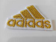 Parche bordado para coser estilo Adidas oro 4,5/3,5 cm adorno ropa artesania