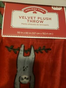 Merry Plush Sloth Green Wreath Throw Red Blanket Christmas Holiday 50x60 NWT