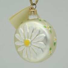 Patricia Breen 1998 Christmas Ornament Daisy Medallion Pearl 9899