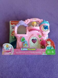 FISHER PRICE LITTLE PEOPLE DISNEY PRINCESS PLAY & GO CASTLE. 18 MONTHS +