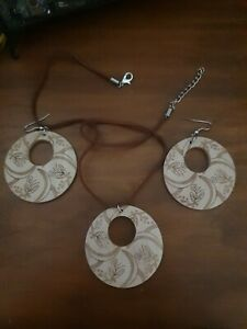 Timber Earrings & Necklace Set