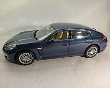 Porsche Panamera S, blau-Metallic, NOREV 1:18